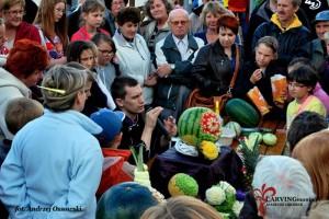Pokaz carvingu w Sępólnie Krajeńskim. (fot. Andrzej Ossowski)